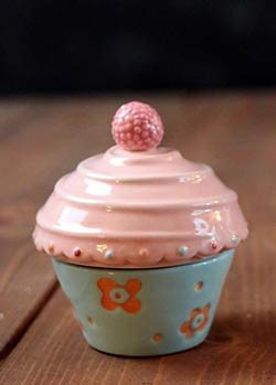 Just Desserts Cupcake Box with Candle - Blue and Pink
