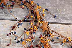 Colonial Pip Berry & Rusty Star Garland - 40 inch