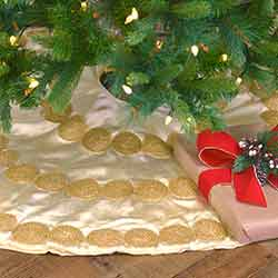 Memories Creme 48 inch Tree Skirt