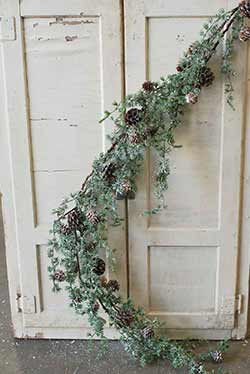 Icy Stowe Cedar 4 foot Garland