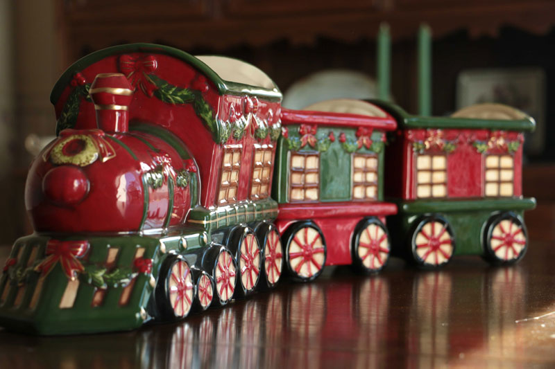 Large Ceramic Train Set By Hanna S Handiworks The Weed