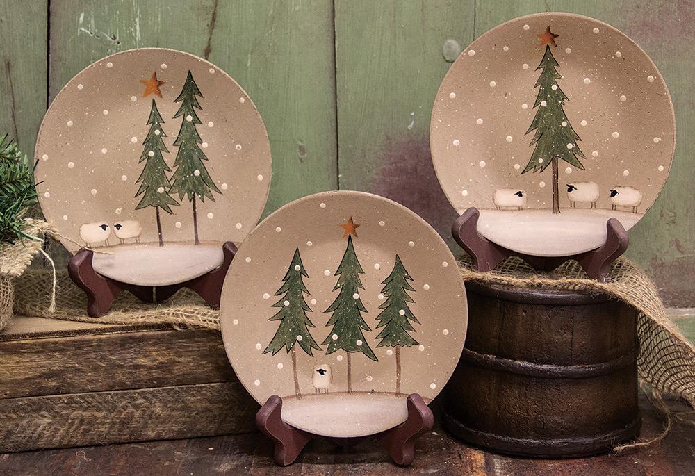 Christmas Decor Primitive Wood Plate Stockings Folk Art Hearthside Donna White