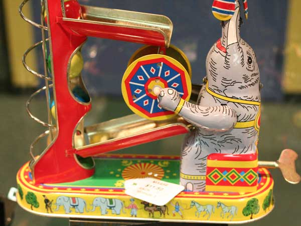Wind-up Elephant with Ball Game