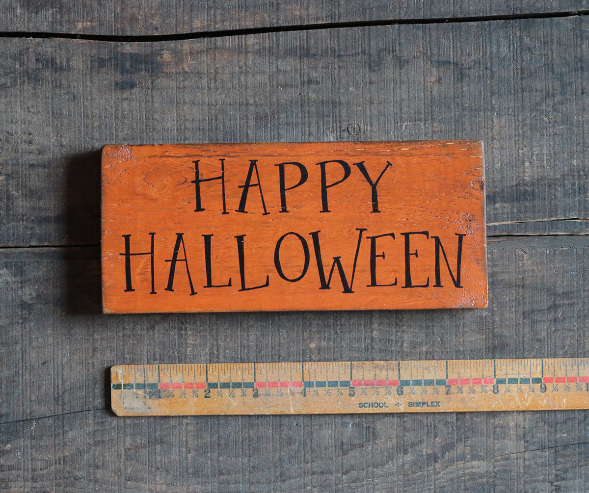Happy Halloween Wood Sign - The Weed Patch
