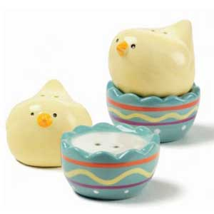 Chick and Egg Salt/Pepper Shaker Set
