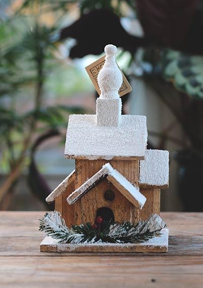 Holiday Lighted Bird House