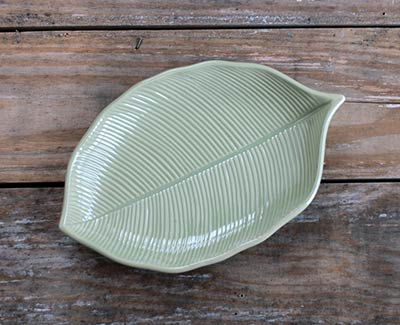 Leaf-Shaped Plate - Sage Green