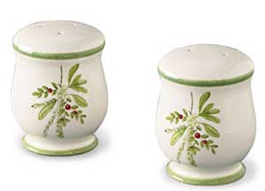 Holly & Ivy - Salt & Pepper Shaker Set