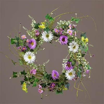 White & Lilac Daisy Wreath