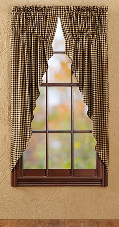 Checkered curtains 2