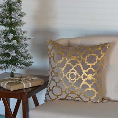 Gold Foil Pillow (18x18)