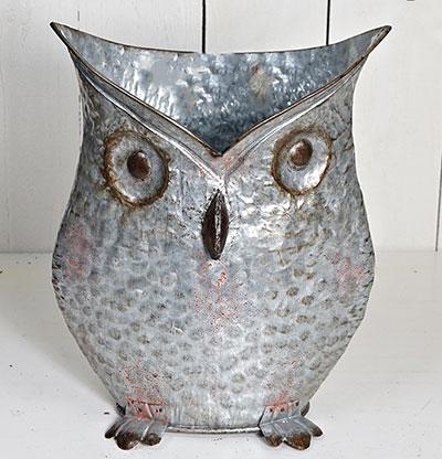 Galvanized Tin Owl Bucket
