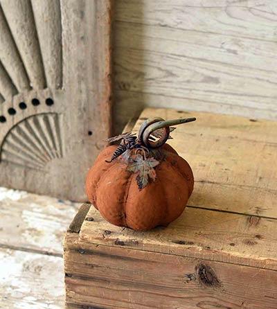 Vine Patch 6 inch Pumpkin