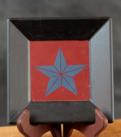Barn Star Plate - Blue Star, Red Background
