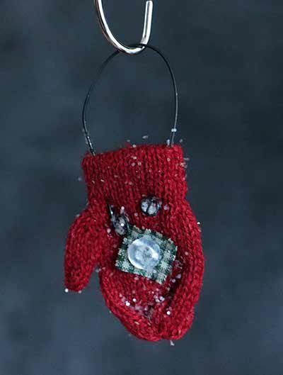 Red Knit Mitten Ornament