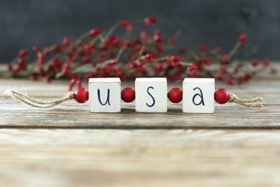 USA Blocks Garland with Beads - White