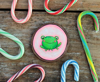 Frog on Pink Wood Slice Ornament (Personalized)