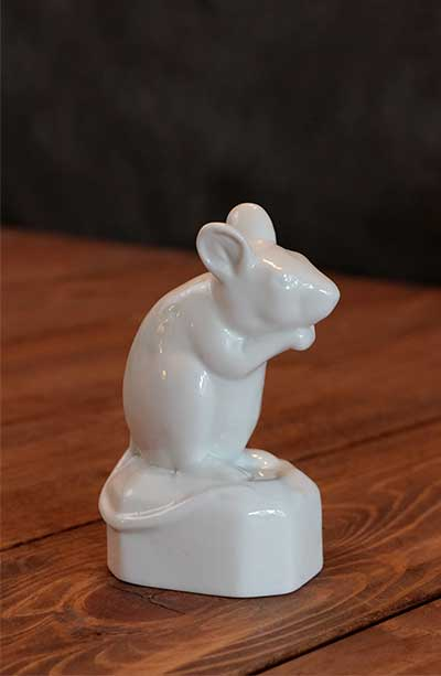 Crouched Mouse Figurine
