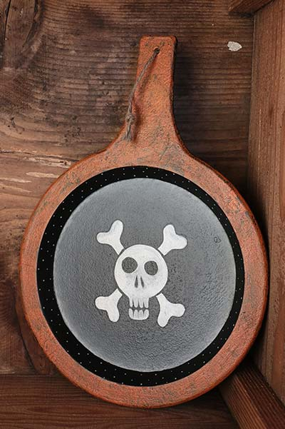 Skull and Crossbones Primitive Wood Wall Decor