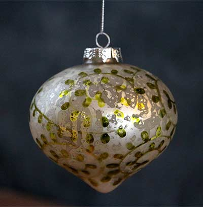 White/Green Antiqued Ornament - Onion
