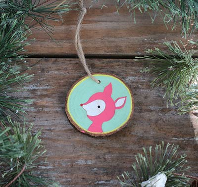 Retro Deer Wood Slice Ornament (Personalized)