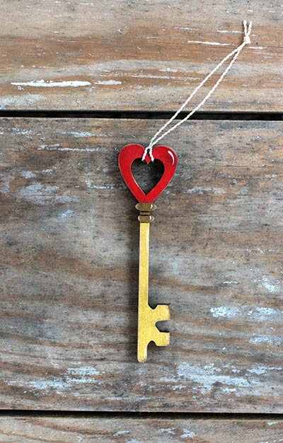 Gold Key with Heart Ornament