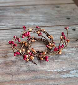 Red & Tea Stain Wispy Pip Berry Ring - 1.5 inch