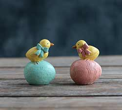 Chicks On Easter Eggs (Set of 2)