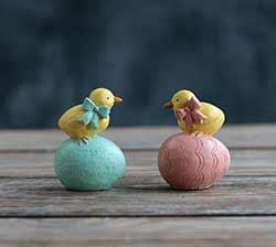 Chicks On Easter Eggs (Set of 2)