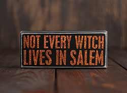 Lives in Salem Box Sign