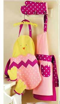 Polka Dot Apron & Mitt Set