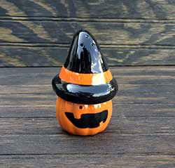 Halloween Pumpkin Salt / Pepper Shaker Set