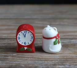 Mouse & Clock Salt and Pepper Shaker Set