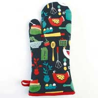 Betty's Kitchen Oven Mitt