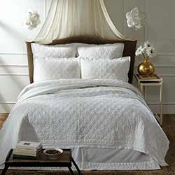 Adelia White Luxury King Quilt