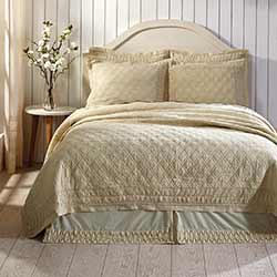 VHC Brands Adelia Creme Luxury King Quilt