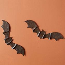 Rustic Metal Bat Wall Hanger