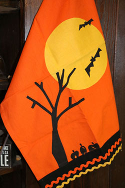 Halloween Night Vintage Dishtowel