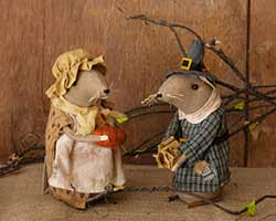 Pilgrim Mouse Couple