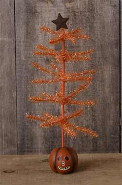 Orange Tinsel Tree with Jack o'Lantern