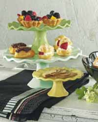 Bistro Footed Cake Plate, Medium