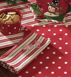 Holly Dots Napkin