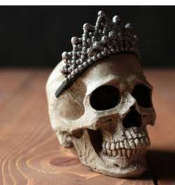 Ganz Princess Skull Figure