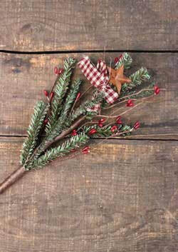 Homespun Holiday Pine & Pip Berry Pick