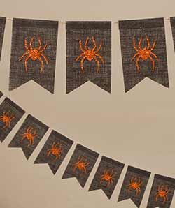 Spider Pennant Garland