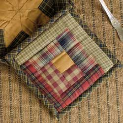 Tea Cabin Pot Holder
