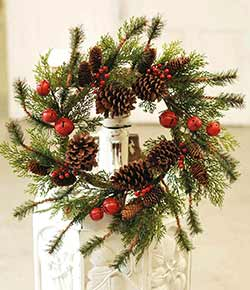 Jingle Pine 22 inch Wreath