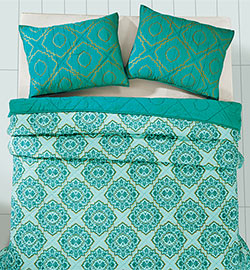 Adria Spectra Green Quilt Set (Multiple Size Options)