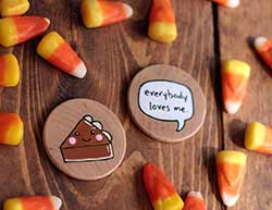Everybody Loves Me with Pumpkin Pie Magnets (Set of 2)