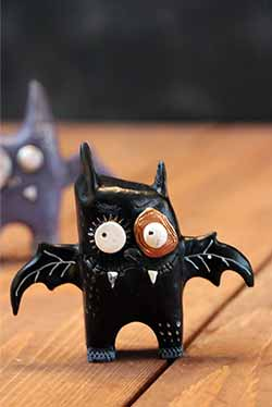 Enesco-Dept 56 Punked Bat - Black